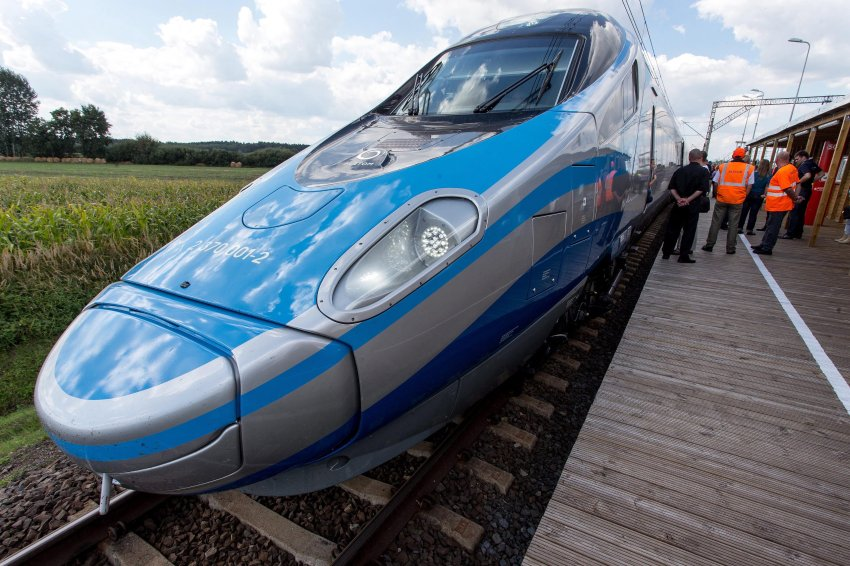 Italian Pendolino train tested in Poland