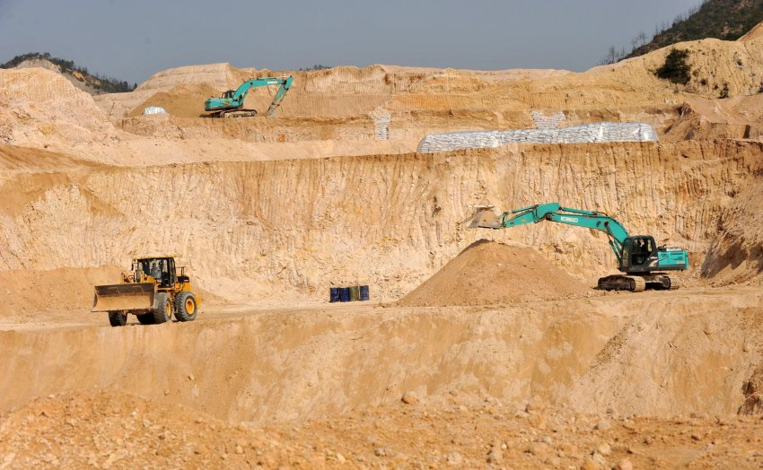 a rare earth mine in Ganxian county