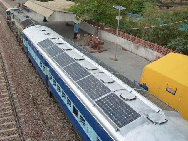 solar-powered-trains