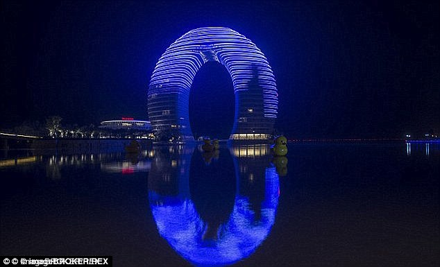 35F0B06000000578-3673741-Sheraton_Hot_Spring_Resort_lit_up_at_night_in_Huzhou_Zhejiang_Th-a-4_1467648915680
